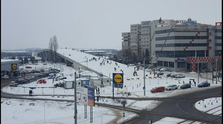 """""""Pasajului Mărășești"""", care a fost iarna trecută derdeluș pentru cei mici, va fi inaugurat de Ziua Copilului"""