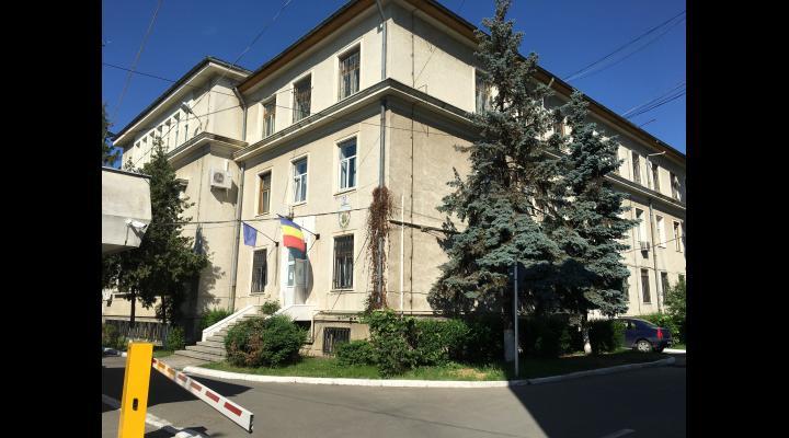 Un tânăr de 18 ani a furat peste 3000 de euro dintr-un apartament din Ploiești