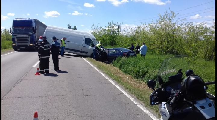 FOTO Accident pe DN 1B  din cauza unei depășiri neregulamentare