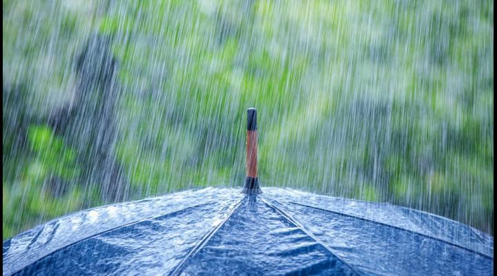 Ploile continuă și astăzi în Prahova