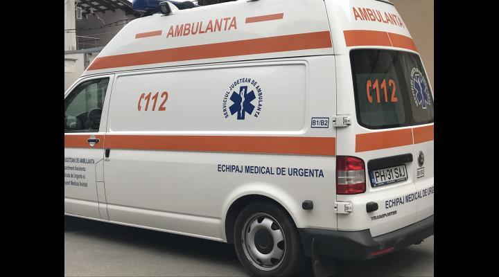 Copil de 2 ani si 7 luni din Prahova, transportat de urgenta la spital dupa ce a cazut de la inaltime