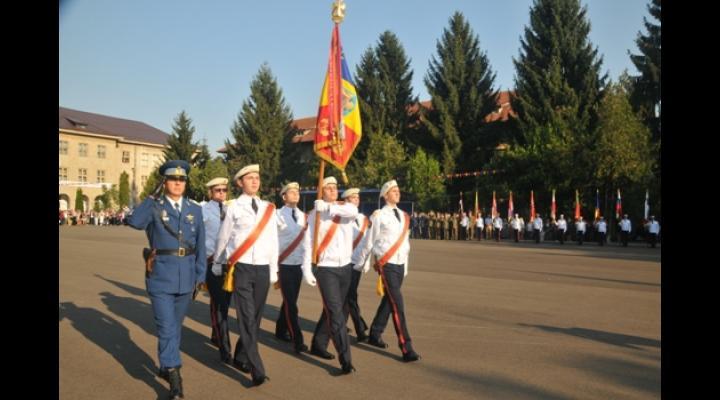 """Colegiul Naţional Militar """"Dimitrie Cantemir"""" din Breaza aniversează 105 ani de existenţă"""