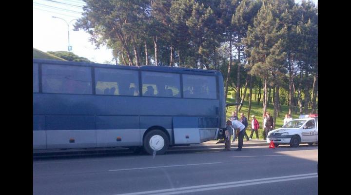 Accident pe DN1, implicat un autocar de zeci de turiști