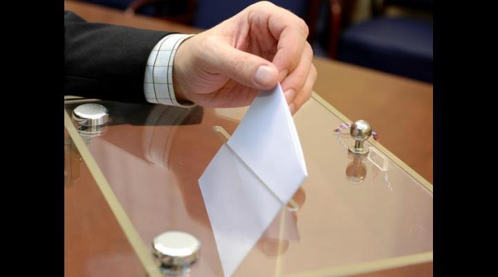Peste 13.200 de prahoveni au votat până la această oră. Prezenta la vot, la ora 18:30: 45,81%