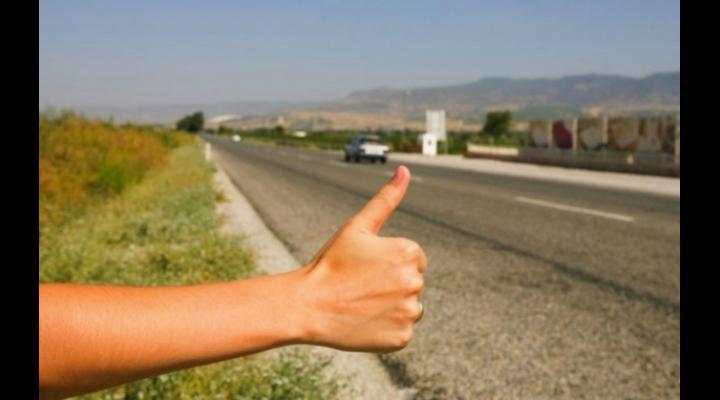 """Controale ale Poliției în toată țara la șoferii care iau pasageri """"la ocazie"""""""