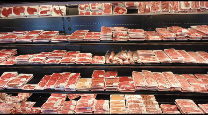 Ce au descoperit comisarii DSV în unitățile de vânzare cu amănuntul din zonele turistice ale județului Prahova. Au fost date zeci de amenzi și confiscate mai multe kilograme de carne