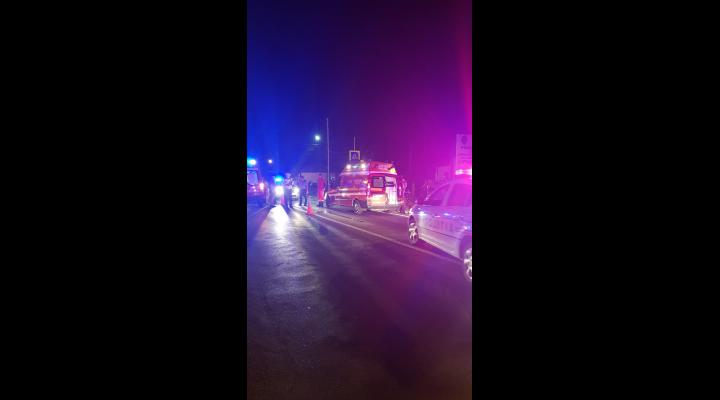 Un pieton si-a pierdut viata noaptea trecuta dupa ce se pare ca ar fi traversat neregulamentar DN1A, fiind lovit de o masina
