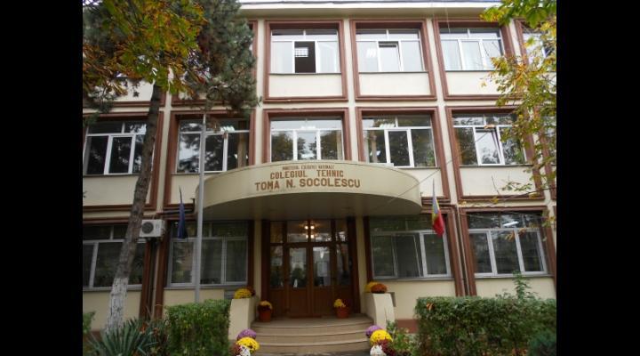 """Premii pentru elevii prahoveni obținute la concursul """"Ştiu şi aplic - Securitatea şi sănătatea în muncă se dobândeşte de pe băncile şcolii"""""""