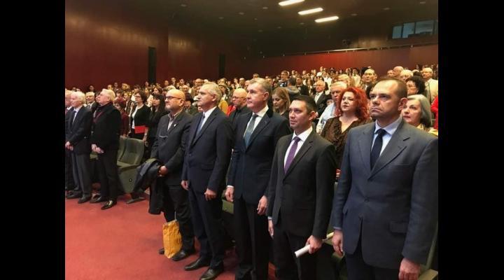 Aniversare Colegiul Național I.L. Caragiale Ploiești la 155 de ani de la înființarea unității. La eveniment a fost prezent și Principele Radu