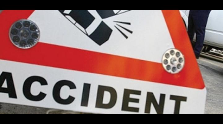 Accident DN1: O mașină a ieșit din decor
