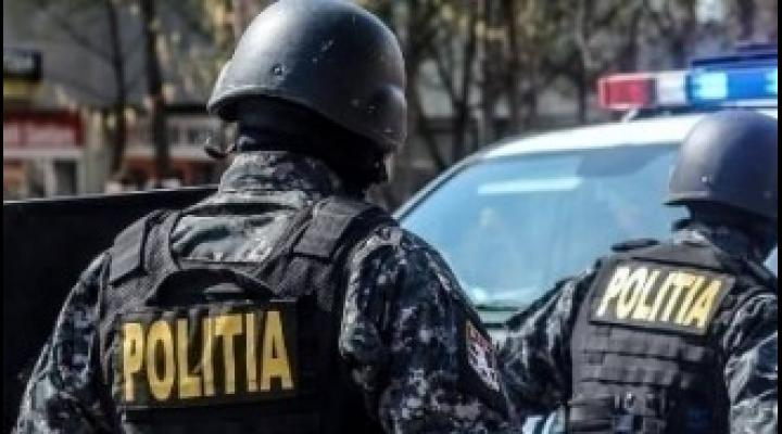 Percheziții în Ploiești și Vălenii de Munte, la persoane bănuite de cămătărie și șantaj