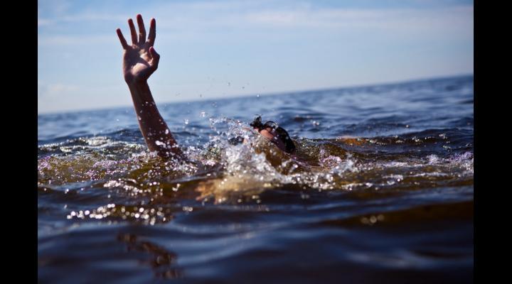 UPDATE: Fata a fost declarată decedată. O fată de 16 ani s-a înecat în județul Prahova