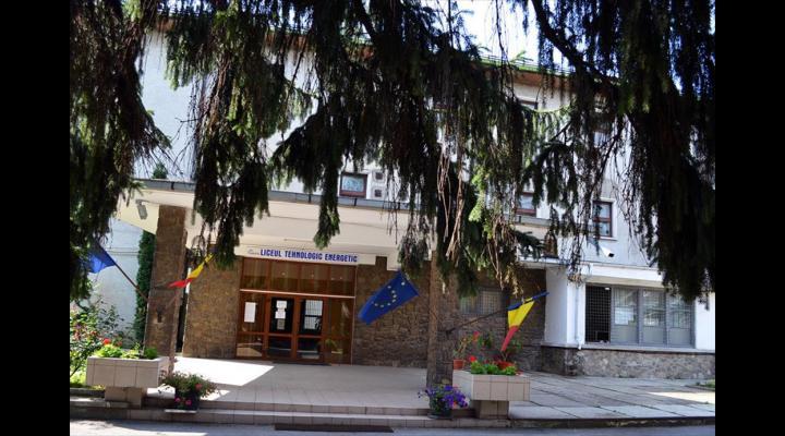 La Liceul Tehnologic Energetic din Câmpina cursurile au fost suspendate