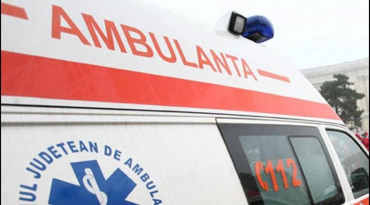 Patru oameni au leșinat astăzi pe stradă din cauza căldurii, în Prahova
