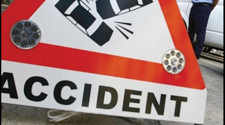 Accident în centrul Ploieștiului/O șoferiță a fost lovită de o motocicletă