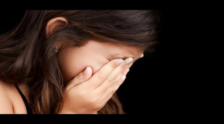 SOCANT: SI-A ABUZAT SEXUAL FIICA DE UN AN SI 10 LUNI