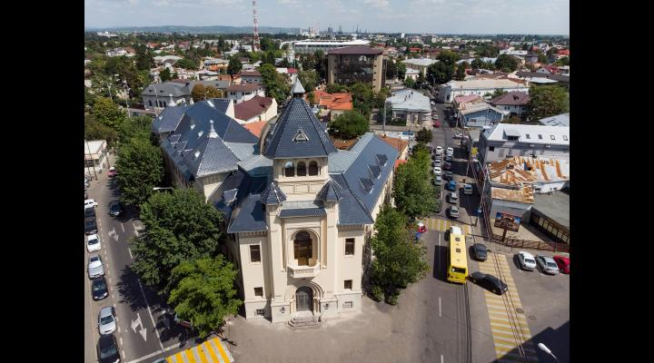Judecătoria Ploiești  a decis suspendarea programului de lucru cu publicul la compartimentele Registratură, Biroul de Informare și relații cu publicul și Biroul Persoane Juridice