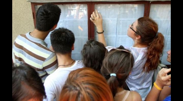 Rata promovabilitate BAC Prahova: 76,58%. Doi elevi au media 10. În trei licee promovabilitate 0%