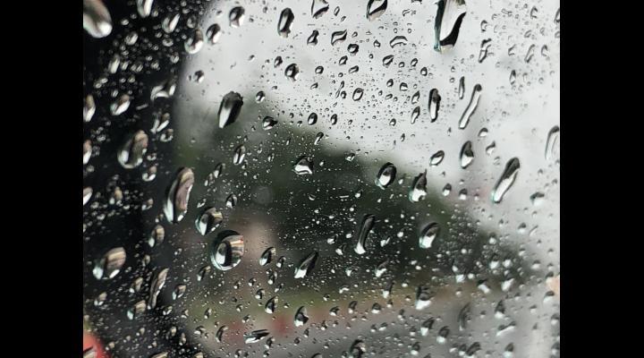 Alertă ANM: Cod portocaliu de vreme severă imediată în Prahova/Localitățile vizate
