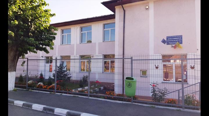 Alin Moldoveanu, primarul din Poiana Câmpina, anunță că proiectul cu fonduri europene privind modernizarea școlii din Poiana Câmpina a trecut de toate etapele de evaluare