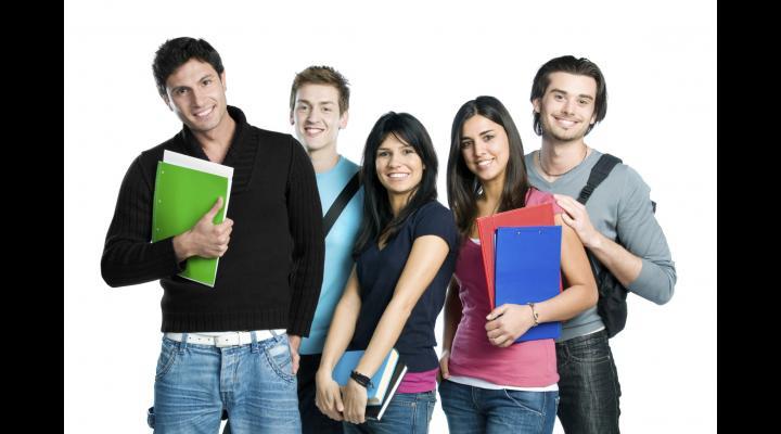 Studenții primesc burse și pe timpul verii