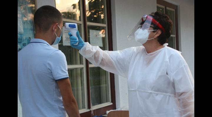 """Colegiul Național Militar """"Dimitrie Cantemir"""" Breaza: cinci elevi sunt infectați, patru dintre ei se află în izolatorul unității și unul se află în izolare la domiciliu"""