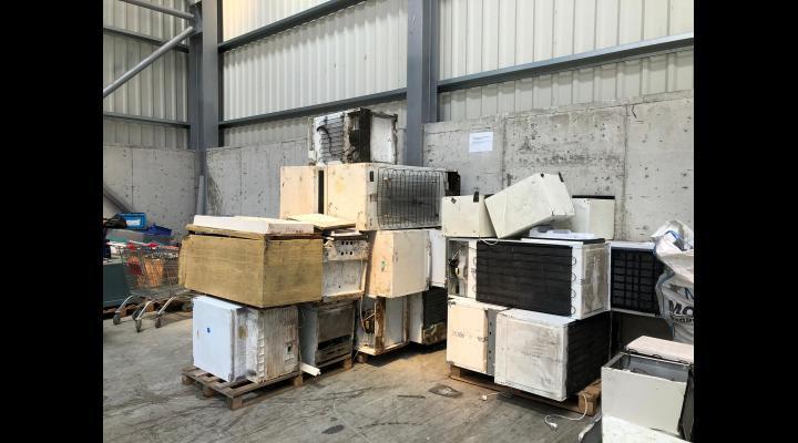 Ploieștenii pot scăpa de echipamentele electrice și electronice nefolositoare/Începe campania de reciclare