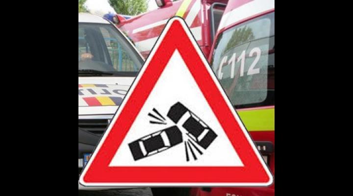 Accident pe DN 1, la Băicoi/Sunt implicate un autotren și un autoturism
