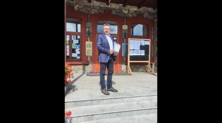 Rezultate parțiale: candidatul PNL Mircea Corbu a câștigat Primăria Bușteni