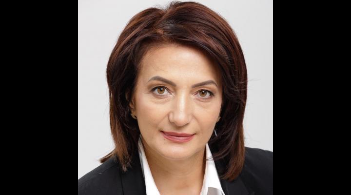 """Deputatul Catalina Bozianu: """"Subfinanțată, neglijată, condusă, de multe ori, de miniștri incapabili, agramați și inculți, dar folosită mereu demagogic de mulți dintre politicieni, educația din România are nevoie de un nou început"""""""