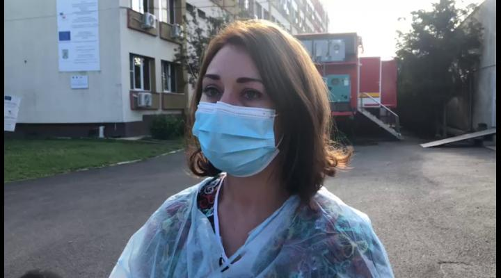"""VIDEO Medic rezident ATI în Ploiești: """"mama mea care lucrează își ia concediu fără plată pentru că nu pot să-mi las copilul cu o bonă trei săptămâni"""""""