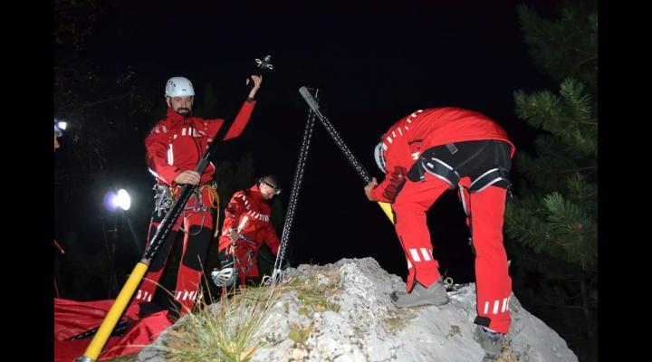 Doi turiști au căzut în munții Bucegi, în zona Acele Morarului
