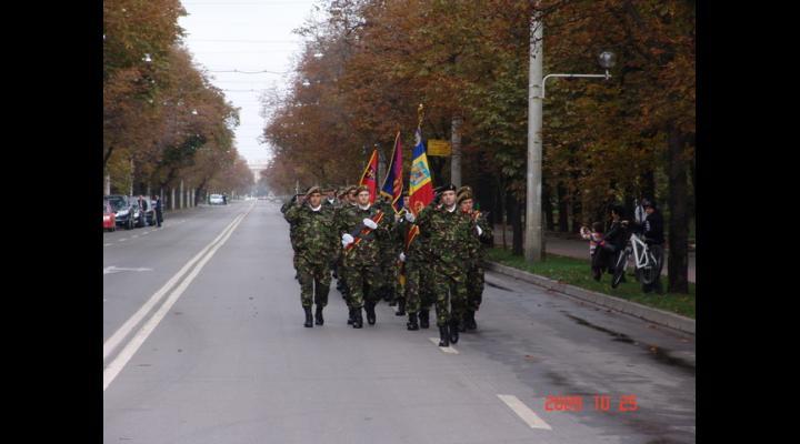 Ziua Armatei, duminică, la Monumentul Vânătorilor de la Gara de Sud din Ploiești