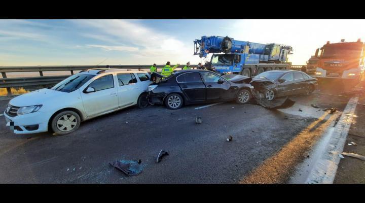 10 mașini au fost implicate într-un accident, pe Autostrada A1