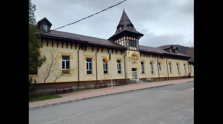 Bani de la CJ Prahova pentru Spitalul din Sinaia si Spitalul Judetean de Urgenta Ploiesti/Pentru ce au fost alocate sumele