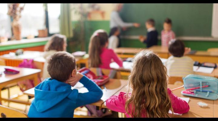 Ministerul Educatiei: Se micșorează numărul elevilor în clasă!