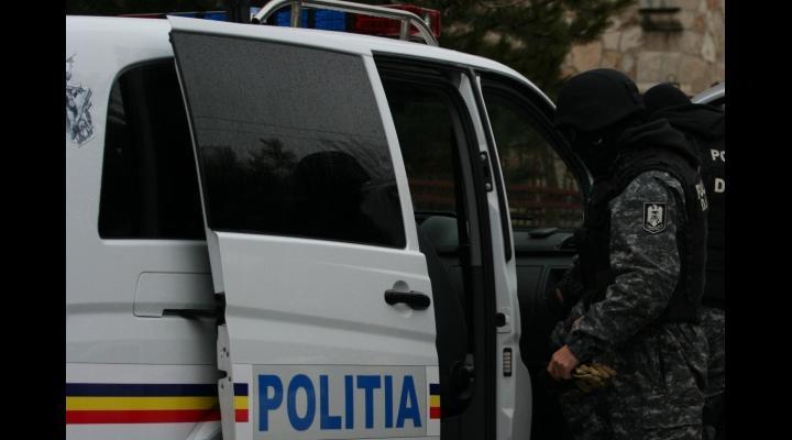Percheziții la persoane bănuite de evaziune fiscală și spălare de bani efectuate de polițiștii prahoveni