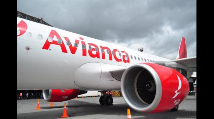 SOCANT: Roman gasit mort in toaleta avionului