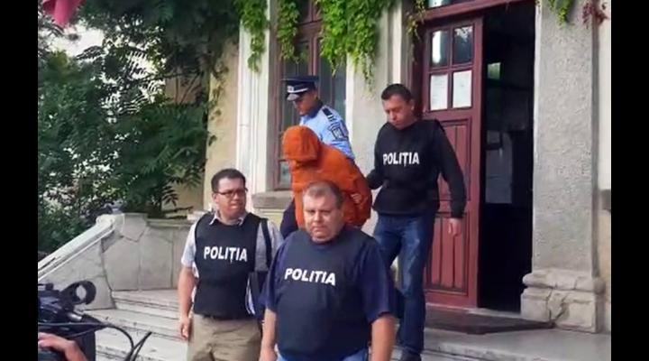Consilierul din Breaza, bănuit că a făcut sex cu minori, arestat preventiv