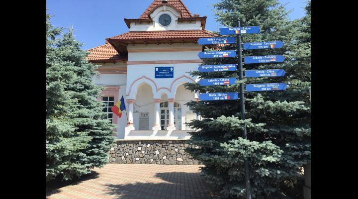 Primăria Băicoi a obținut finanțare de la guvern pentru modernizarea a cinci unități de învățământ