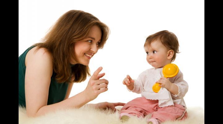 Indemnizaţiile pentru creşterea copilului, plafonate la 1800 de euro. Ministrul Muncii: În maximum două săptămâni, va fi finalizat un proiect de OUG