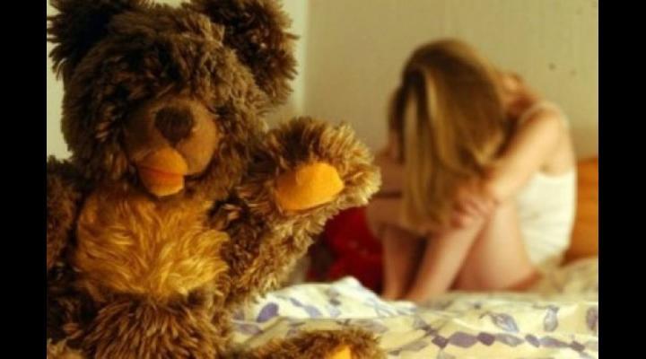 Șocant. Fetițe violate de propriul tată. Bărbatul a fost reținut
