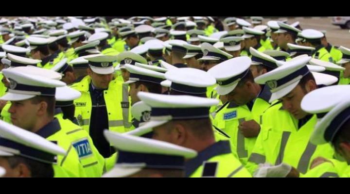 Salarii majorate pentru polițiști şi personalul civil din instituțiile publice de apărare, ordine publică și securitate națională
