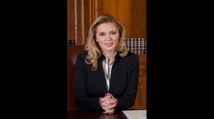 Roberta Anastase, invocată în motivarea judecătorilor privind arestul preventiv pentru Elena Udrea