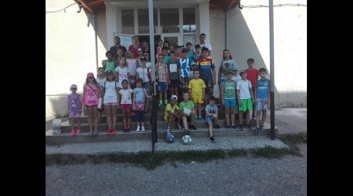 Primăria Băicoi îi implică pe copiii din localitate în activități sportive și pe timpul vacanței