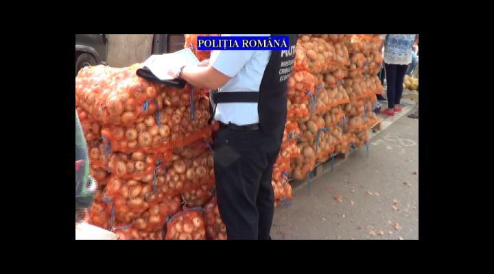 Razie intr-o piata din Prahova. Politistii au confiscat peste 4500 de kilograme de fructe si legume (VIDEO)