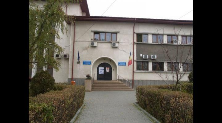 Unitățile de învățământ din Prahova își vor suspenda cursurile începând cu ora 15.30