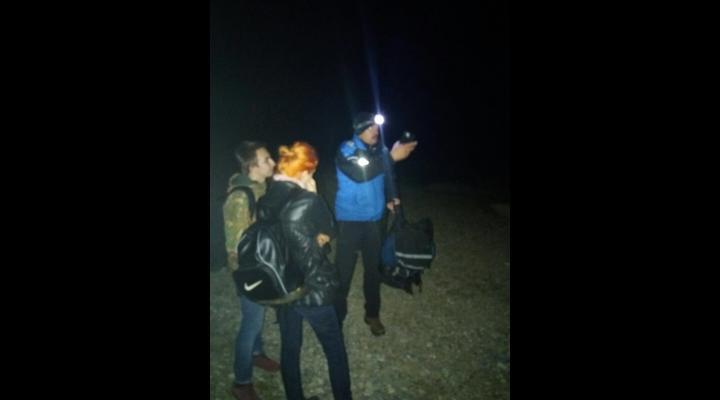 Doi tineri din Bucuresti, salvati de oamenii muntelui