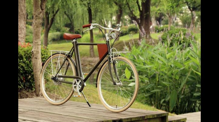 """Ploieștenii sunt invitați """"să pedaleze prin oraș ca să învingă diabetul și obezitatea"""""""