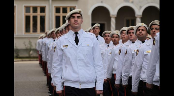 """Proiect inedit al MAPN: ,,Cadet pentru o zi"""", si in Prahova. Afla unde"""